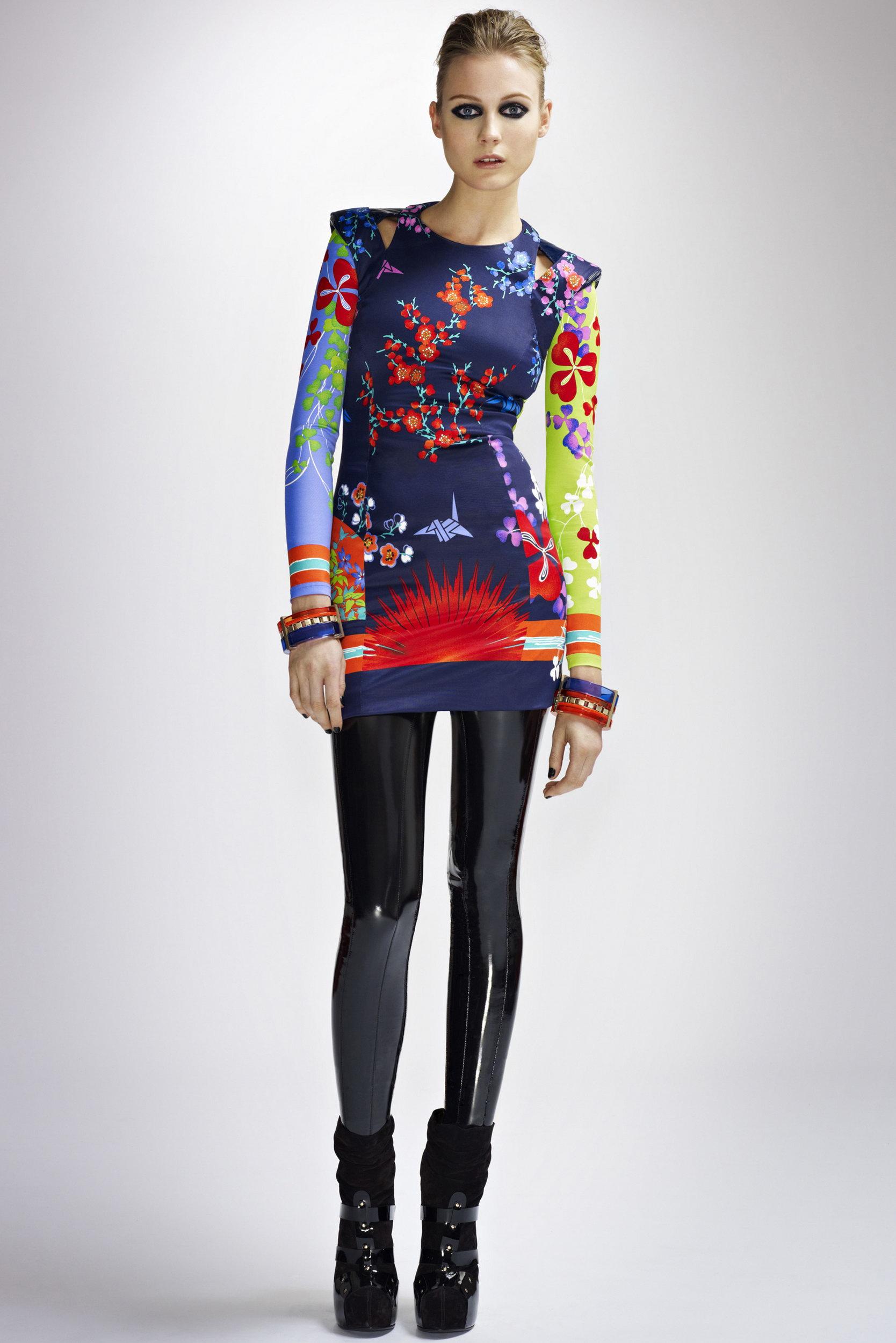 Дизайн рекламы / Интересное / Мода осень - зима 2010 - 2011: DKNY (коллекция молодежной женской одежды) Американский бренд DKNY п